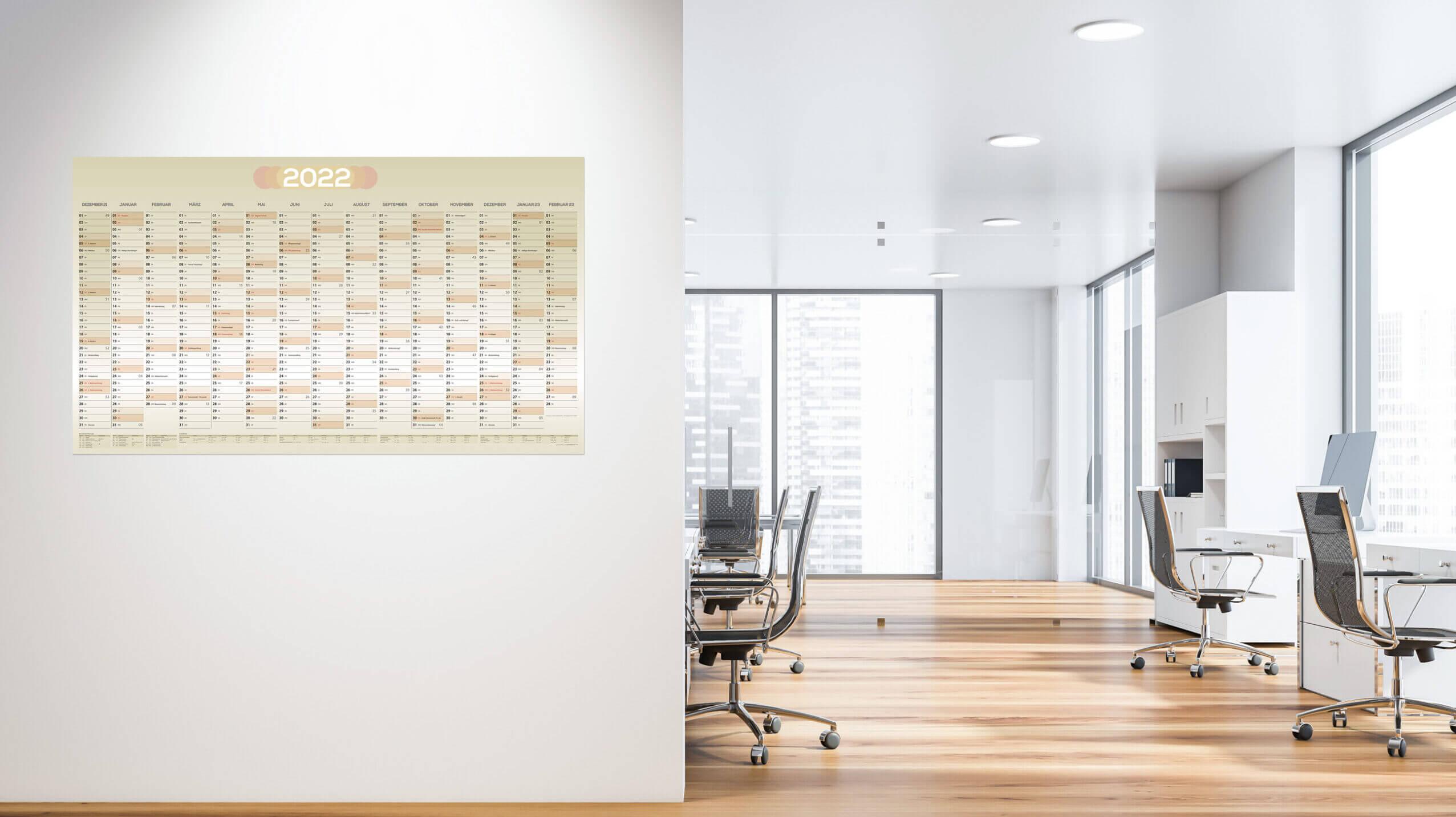 Kalender ohne Werbung für 2022 in einem Büro